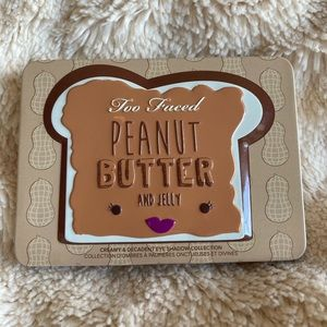 Too Faced Peanut Butter and Jelly Eyeshadow Palett